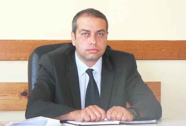 """Главен инспектор Мирослав Духалов, началник на РУП-Самоков: Престъпленията намаляват, разкриваемостта се увеличава """"Очертава се тенденция към намаляване на броя на извършените престъпления и увеличаване на разкриваемостта"""", се изтъква в отчета […]"""