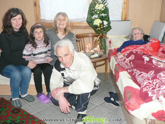 Родената на 18 януари 1912 г. наша съгражданка Марийка Николова Попхристова навърши 100 години. По този повод в дома си на самия ден тя бе поздравена сърдечно от кмета Владимир […]