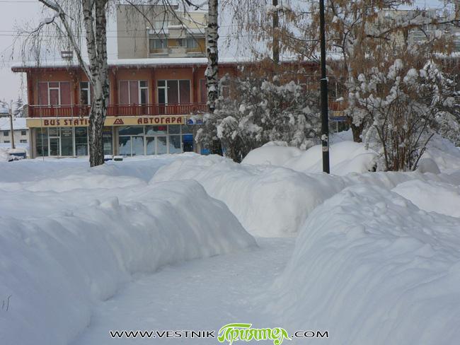 Падналите през последните дни и седмици камари сняг не се помнят от много години и дори от десетилетия. Еврокомисарката Кристалина Георгиева вече предупреди, че това създава големи опасности от наводнения. […]