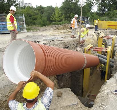 """Отговор Предвиждаме ремонт на два участъка по 900 метра от външния водопровод в местността Дълбоко дере, заяви на 21 юли ръководителят на """"ВиК"""" – Самоков инж. Венци Тодоров по повод […]"""