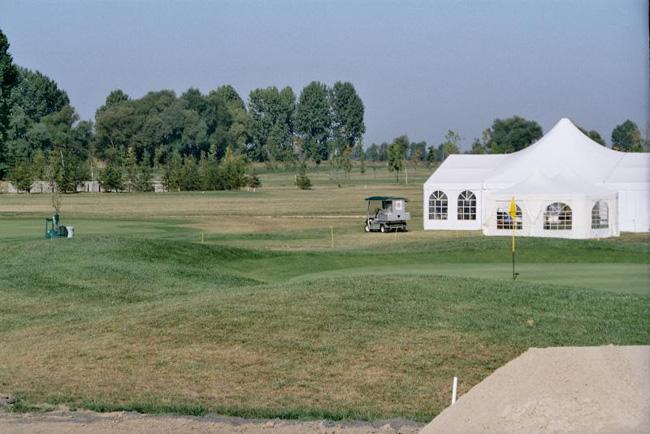 """""""Голф Окол"""" ООД спечели конкурса за закупуване на общински земи /общо 206 имота/ в района на Горни Окол – 1957 дка, с цел да се изгради там игрище за голф. […]"""
