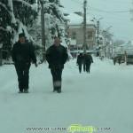 Улиците станаха ледени коруби – ни с кола да минеш, ни пеша…