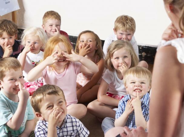 В таксите за детски градини има нововъведение – на последното си заседание общинарите решиха за ползване на детска градина при полудневна организация месечната такса за всяко записано дете да бъде […]