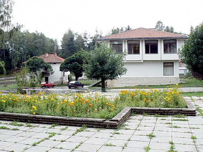 Георги Захов Килийно училище в Горни Окол имало още в 1863 г. Помещавало се в къщата на Никола Стамболски в центъра на селото. Разполагало с една класна стая, в която […]