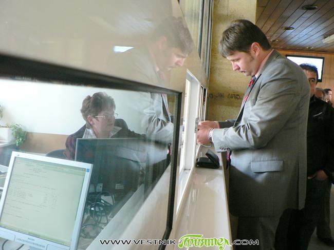 Градоначалникът Владимир Георгиев плати своите местни данъци и такси чрез дебитна карта в присъствието на представители на местни медии в понеделник, на 23 април. Той се оказа първият данакоплатец, който […]