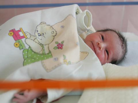 Девет сватби са вдигнати през април в Самоков. За пръв път са проплакали 32 бебета. Отишлите си от този свят през месеца обаче пак са повече – 38 души. ХХХ […]