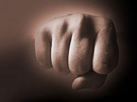 31-годишен самоковец е обвинен за нанесена телесна повреда. Първоначално в РУП било образувано досъдебно производство по повод нанесен побой на жителка на Самоков в двор на къща в града. При […]