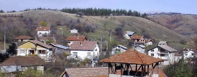 Георги Захов Сгушено в прегръдките на две планини, село Клисура се намира в най-високата точка на прохода, дал и името му. На север са склоновете на Верила, а на юг […]
