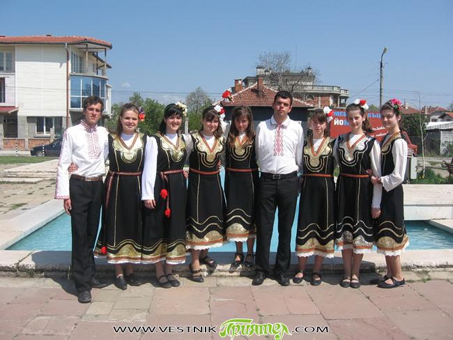 """За трета година в края на април в Костинброд се низа """"Шопски наниз"""". Пъстрите """"мъниста"""" в него бяха участниците от различни селища на Софийска област, а и от други региони […]"""