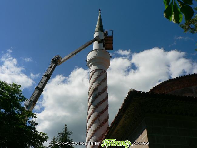 """Епизоди от телевизионната филмова поредица """"Дървото на живота"""" бяха заснети на 11 март в Байракли джамия в града ни. Отрано култовата сграда – музей бе превърната в снимачна площадка. Местни […]"""