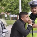 Задържаха 26-годишен шофьор с 1.22 промила алкохол