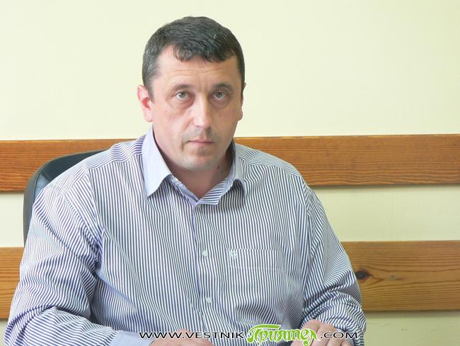 """""""Имаме 34 % разкриваемост на криминалните престъпления"""", заяви на пресконференция в Самоков на 2 юли временно назначеният на длъжност началник на Районното управление на полицията Георги Тодоров, представяйки отчета за […]"""