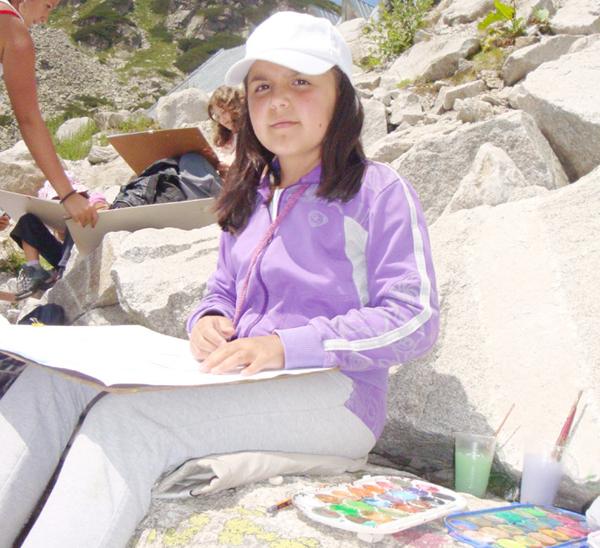 """10-годишната самоковска художничка Михаела Вукова е класирана на трето място в конкурс на тема """"Моят дом в хармония с природата"""", обявен от Мрежата на бившите стипендианти на Немската федерална фондация […]"""