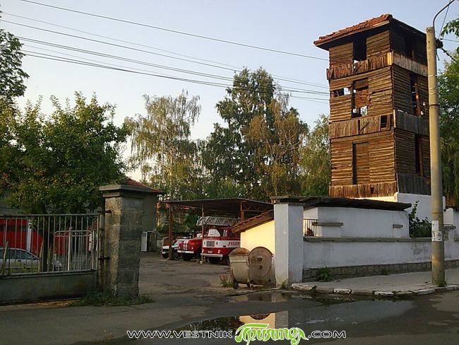 """Пожар вечерта на 1 септември унищожи до основи дървена къщичка – пицария в Боровец, намираща се до хотел """"Рила"""". Хора не са пострадали, но оборудването е изпепелено. Частично е засегната […]"""