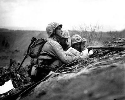Преживелици Беше в началото на 40-те години. Баща ми бе взет запас в 7-и артилерийски полк в Самоков. Бушуваше войната – денонощно виеха сирените на противовъздушната отбрана. Нощем Самоков потъваше […]