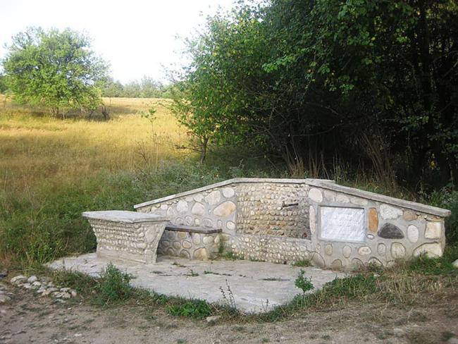 Отклик Никола Чолаков е готов да направи под формата на дарение чешма на Ридо. Предложение за подобна чешма в района над мотопистата /където постоянно изтича вода от шахта/ даде нашата […]