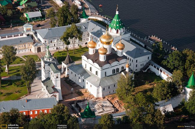 Празник имаха и жителите на побратимения със Самоков руски град Кострома. Основните изяви са били на 8 август, когато големият град на Волга е отбелязал своя 863-и рожден ден. Освен […]