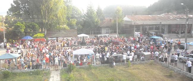 Музика, хора, танци, вкусен курбан, аромат на скара, весели и пременени хора… Общоселският събор на Райово се състоя по традиция в последната събота на този месец – на 28 юли. […]