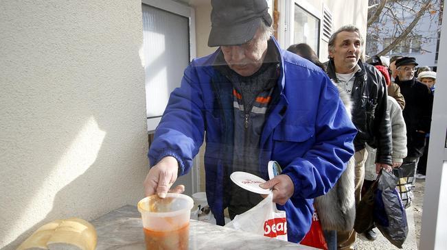 Общо 81 социално слаби и бездомни граждани ще ползват услугите на общинската трапезария от 1 януари до 30 април. Те ще получават обяд, който включва супа, основно ястие и хляб […]