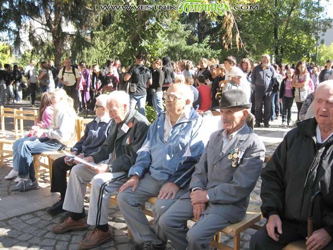 С три тържества в града ни отбелязахме на 5 октомври точно 100 години от началото на Балканската война. Малко преди обяд пред Военния клуб /ДНА/ юбилеят бе честван тържествено в […]