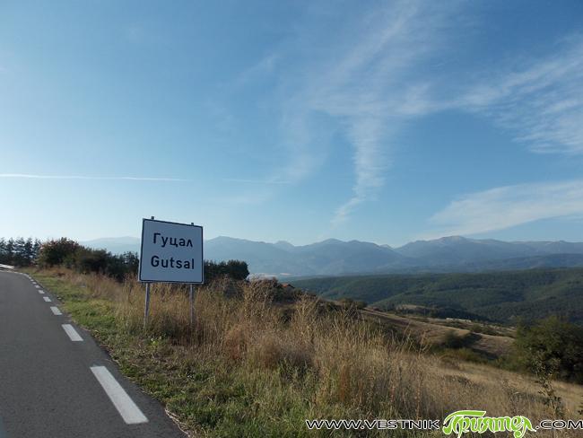 По новия път за Гуцал – от отклонението след Шипочан до селото, липсват почти всички пътни знаци и към 50-60 накрайници на мантинели. Пътят бе изграден преди няколко години и […]