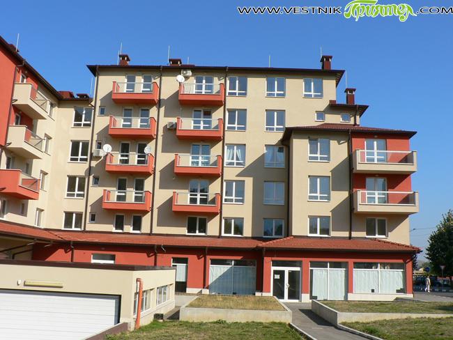 Продадени бяха два апартамента в общинския жилищен блок. На търга се явиха двама кандидати – по един за всяко едно от жилищата. Апартаментите – от 40 и 47 кв. м, […]
