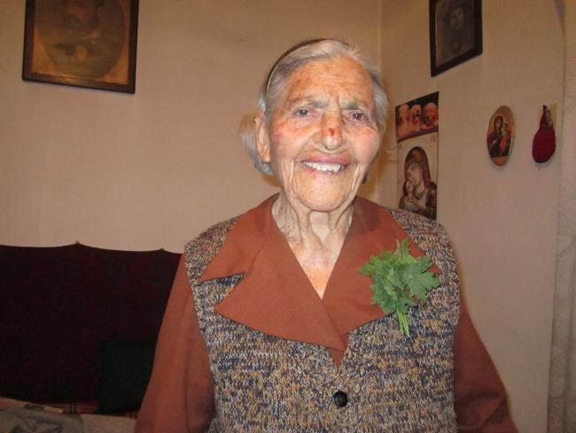 Баба Стоянка Тренкова от Долна баня отпразнува своята първа година след 90-те! Да й е честит рожденният ден, да е жива и здрава и да ни покани и на следващите […]