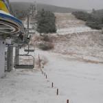 Сняг посрещна участниците в среща за зимната готовност в Боровец