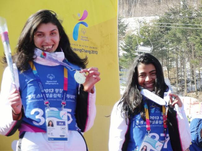 """Младата самоковска алпийка Бенита Петрова завоюва на два пъти бронз на """"Спешъл Олимпикс – 2013"""" – световните зимни олимпийски игри на хората с интелектуални затруднения. Игрите се състояха в известния […]"""