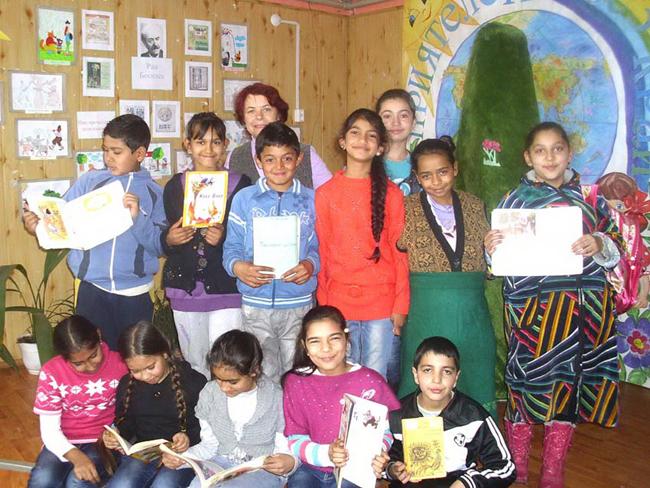 """Преди около месец учениците от 4-г клас с класен ръководител Гергана Змийчарова от НУ """"Д-р Петър Берон"""" решили да се запознаят по-задълбочено с творчеството на обичания от всички български деца […]"""