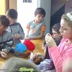 Деца направиха мартеници