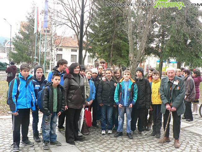 68-ата годишнина от историческата победа на Българската армия при р. Драва в Унгария през Втората световна война /март 1945 г./ бе отбелязана в четвъртък, на 21 март, пред паметната стела […]