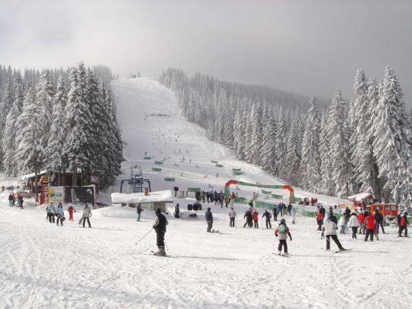 Ски Самоковските скиори-ветерани постигнаха нов връх. Нашите представители спечелиха първо място в отборното класиране на републиканското първенство по ски, състояло се в курорта Пампорово в Родопите. Лидерската позиция на състава […]