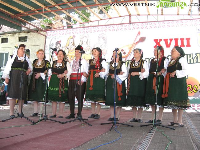 През 2005 г. със съпруга ми Георги Божилов-Гебо станахме съпричастни на важно събитие – обявяването на село Костандово в Родопите за град. Костандово е разположено близо до красивия Велинград и […]