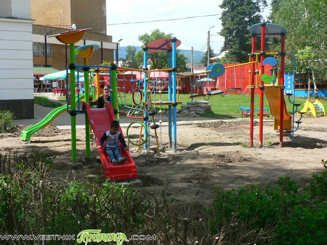 От Общината са подготвени общо 18 проекта за изграждане на детски площадки и за благоустрояване на градинки. Разработките са внесени в ПУДООС /Предприятието за управление на дейностите по опазване на […]