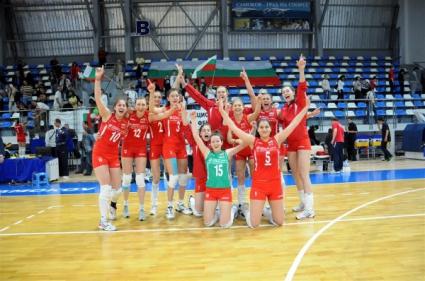 """Волейбол Девойките старша възраст на България претърпяха две поражения с по 2:3 гейма от Сърбия в приятелските срещи между двата отбора, състояли се на 10 и 11 юни в """"Арена […]"""