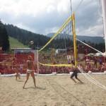 Плажен волейбол в… Боровец