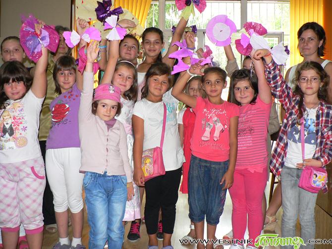 """В детския отдел на общинската библиотека """"Паисий Хилендарски"""", както и в библиотечния филиал в Четвърти квартал, на 30 август се състояха заключителните занимания от лятната програма под наслов """"Ваканция в […]"""
