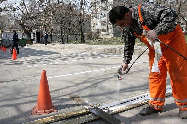 """Зачестилите катастрофи в Самоков, включително с два смърттни случая през последните дни, са провокирали кмета Владимир Георгиев да изпрати спешно писмо до Агенция """"Пътна инфраструктура"""" с искане да се предприемат […]"""
