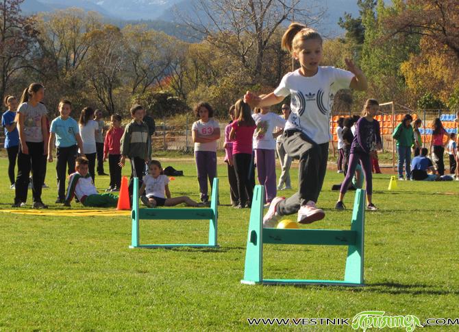 """Спортен клуб """"Рилски атлет"""" организира тренировъчни занимания по лека атлетика по програмата на Министерството на младежта и спорта """"Спорт за децата в свободното време"""" в два етапа: – І етап […]"""