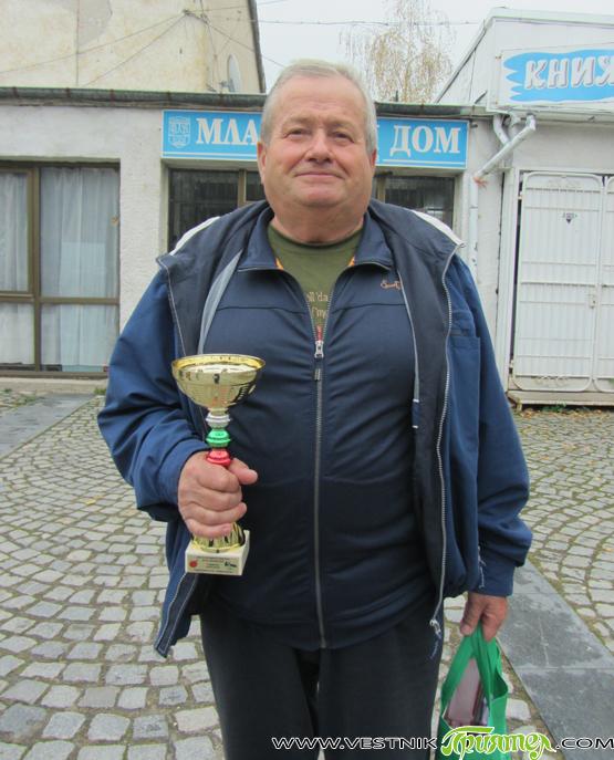 Комбинираният турнир по тенис на маса и шахмат, състоял се в края на октомври в чест на Деня на народните будители, бе спечелен от Георги Милушев, който заслужи и специалната […]