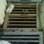 Задържаха мъж, откраднал 40-килограмова метална решетка от гробищата