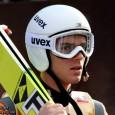 Националът по ски скок Владимир Зографски получи дисквалификация още в първия старт за сезона – състезанието за Световната купа в Клингентал /Германия/. Причината е прозаична – нередност в екипировката. Иначе […]