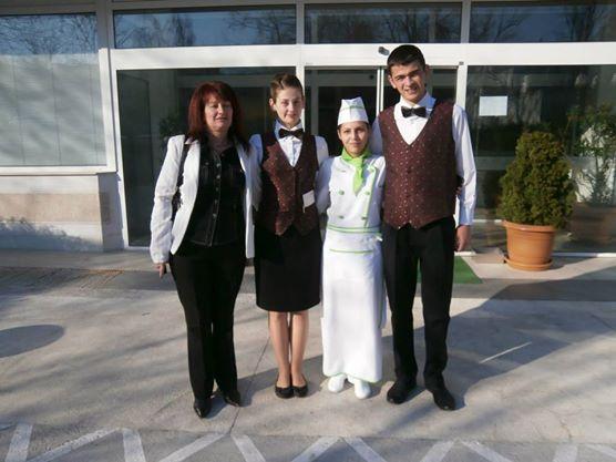 """Голям успех пожънаха представителите на Професионалната гимназия по туризъм в града ни на регионалното състезание за бармани, готвачи и сервитьори-сомелиери, състояло се на 15 март в спа-хотел """"Аугуста"""" в Хисаря. […]"""