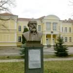 Паметник на Фотинов да изградим