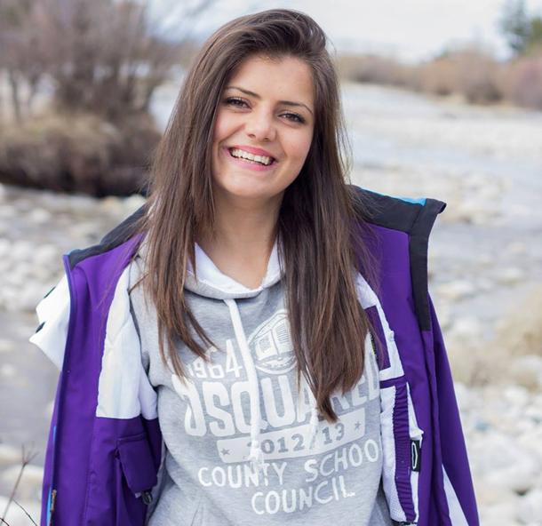 Николета Околска завоюва сребърен медал от републиканското първенство по ски, състояло се в края на миналата седмица в Боровец, при девойките младша възраст в гигантския слалом с време 2:55.73 мин. […]