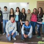 Ученици от Гимназията по туризъм протегнаха ръка на връстници в беда