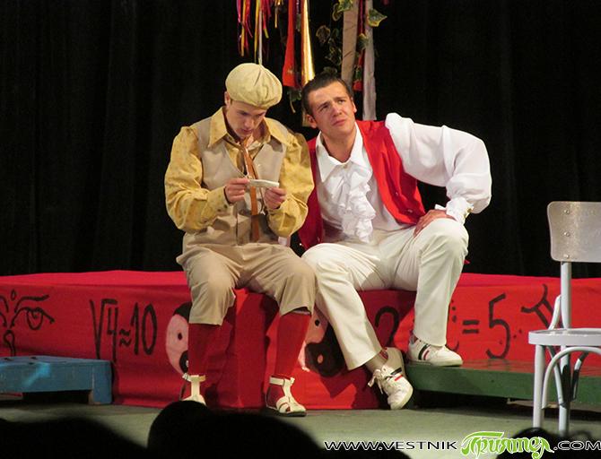 """Шекспир – загадъчният, вечният, модерният Театрална премиера зарадва самоковската интелигенция през последните седмици. Състав """"Мелпомена"""" при читалище-паметник """"Отец Паисий"""" ни подари жизнерадостен спектакъл по комедията на Уилям Шекспир """"Комедия от […]"""