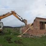 Събориха незаконни постройки