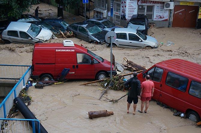 Община Самоков откри дарителски пункт за събиране на дарения в помощ на пострадалите от наводненията във Варна и Добрич. Пунктът бе отворен на 24 юни 2014 г. Желаещите могат да […]